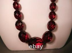 ANTIQUE ART DECO CHERRY AMBER FACETED GRADUATED BEAD NECKLACE & EARRINGS, 30,62g