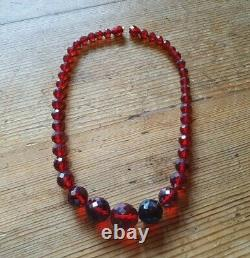 Antique Bakelite Graduating Faceted Cherry Amber Beaded Necklace In Original Box