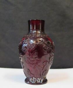 Chinese Cherry Amber Snuff Bottle