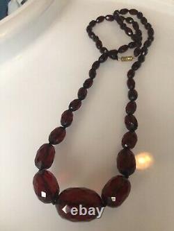 Vintage Art Deco 1920s Faceted Bakelite Cherry Amber Bead Necklace 29
