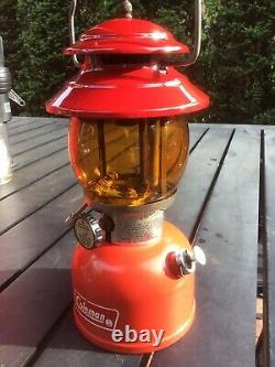 Vtg 2/76 Coleman 200A Single Mantle Red Lantern with Red Case & Amber Globe NICE