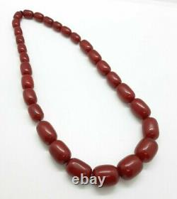 69.7 Grams Antique Faturan Cerise Perles Ambres Collier Marbré