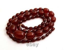 69g Antique Marbled Cherry Amber Bakelite Beads Collier
