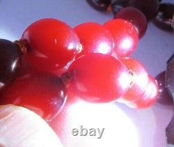 Antique 1920s Rouge Ambre / Faturan / Bakelite Collier De Perles 33. Inches Longueur