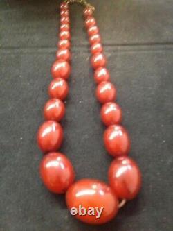 Antique Cherry Amber Bakelite Faturan Perles Collier 52 Gram Marbled
