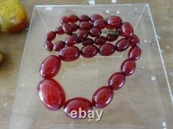 Antique Cherry Amber Bakelite (faturan) Collier De Perles & Boucles D'oreilles 70g