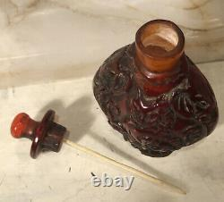 Antique Chinois Sculpté Foo Dogs Cherry Amber Snuff Bouteille Signée