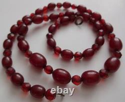 Antique Victorienne Véritable Baltes Cherry Amber Barrel Facettes Perles Collier 16g