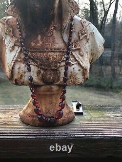 Collier Antique De Perles À Facettes Victorienne Cerise Rouge Foncé Amber Bakelite