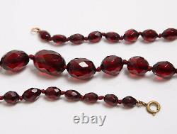 Collier Antique De Perles De Bakelite D'ambre De Cerise À Facettes Art Déco