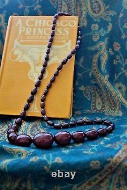 Collier Antique Gradué Cherry Amber Début Des Années 1900 68.039 Grammes 30 Pouces De Long