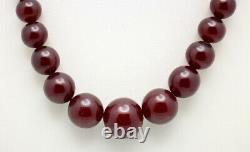 Fine Antique Gradué Cherry Amber Bakelite Faturan Bead Collier