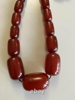 Superbe Collier De Perles Bakelite En Marbre Antique Cherry Amber 105 Grammes