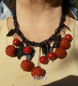Véritable Antique Cherry Bakelite Collier Amber Cherry Framboises Feuilles Noires