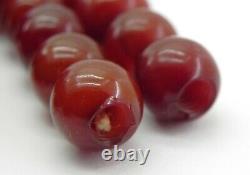 Véritable Grand Collier De Perles Cerise Antique Ambre Bakélite, C1920